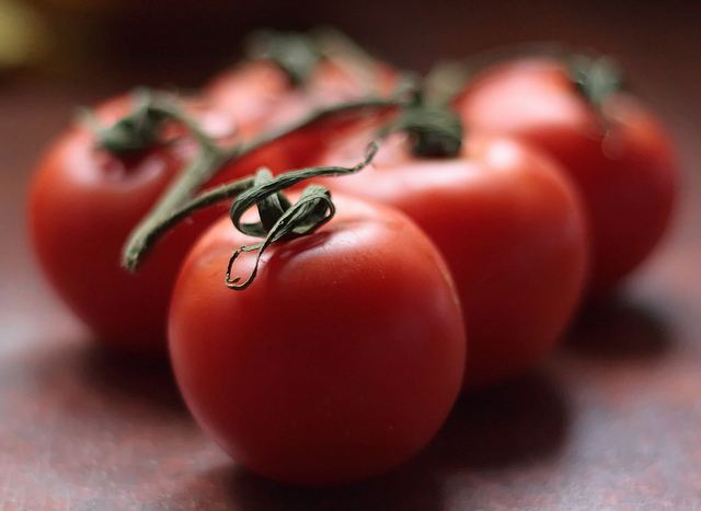 Tomatoes - sean_hickin, source flickr.com