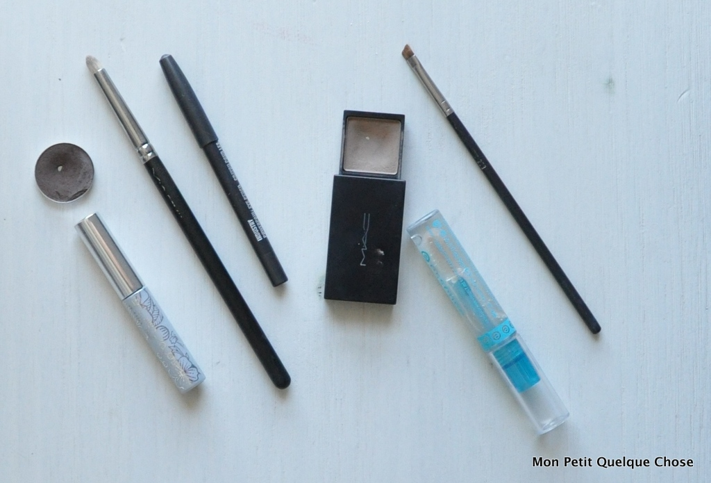 Makeup avec MAC : Bottom Lash mascara, Clinique / MAC Brun / Industry Powerpoint eye pencil / Brow Shader Blonde-Taupe / Essence lash and brow gel / MAC 219 / MAC 203
