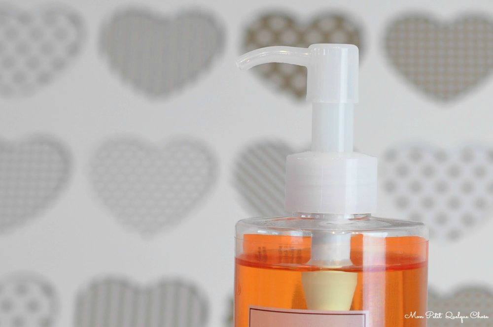 Holika Holika, Seed Blossom Calming Cleansing Oil ou l'huile démaquillante topissime! - Mon Petit Quelque Chose